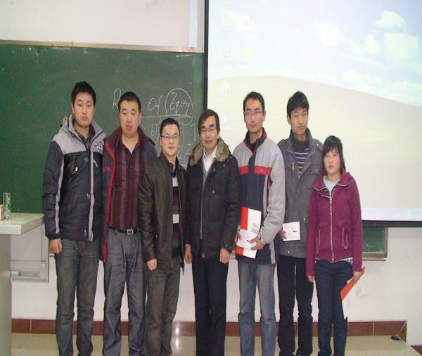 与郑州航空工业管理学院艺术设计系 宗主任及学生们合影-NACG 百